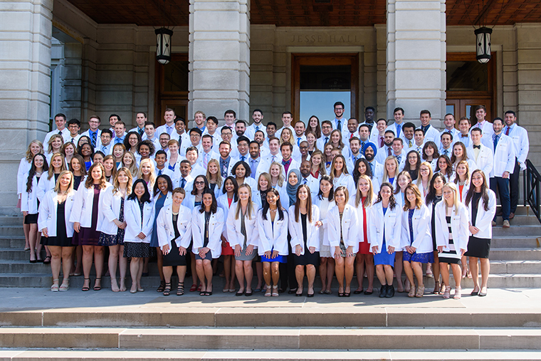 Mu School Of Medicine Introduces Class Of 2022 At White