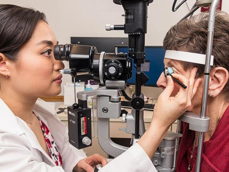 Dr. An treats glaucoma patient